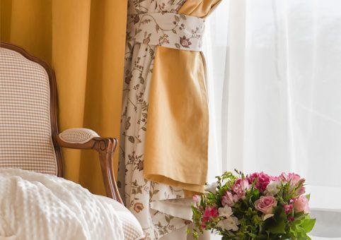 Спальня_кресло-и-окно_2